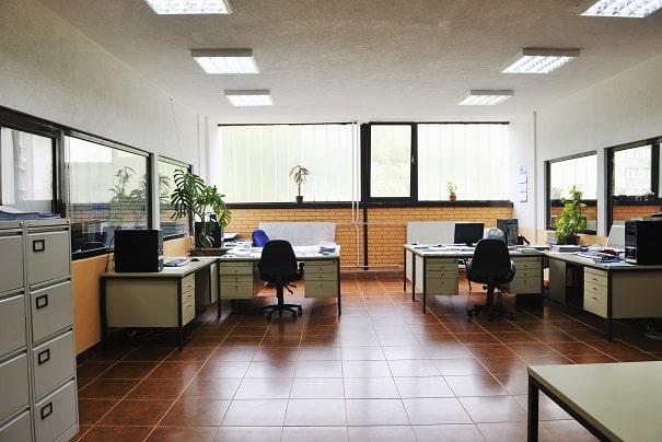 כיצד לנקות ריפוד של כיסא משרדים