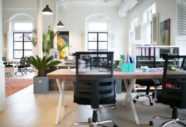 כסאות מנהלים אורתופדיים - לעבודה יעילה יותר ולבריאות הגב